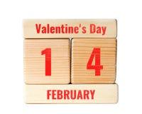 14 de febrero texto del día del ` s de la tarjeta del día de San Valentín en bloques de madera Imagen de archivo libre de regalías