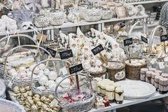 De feestelijke decoratie demonstreert de opslag Hoff Royalty-vrije Stock Foto