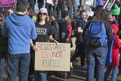 ` De femmes s mars sur Chicago 2017 photographie stock
