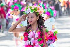 27 de fevereiro de 2015 Baguio, Filipinas Festival da flor de Baguio Citys Panagbenga Povos não identificados na parada em trajes Imagens de Stock