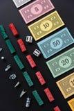 8 de fevereiro de 2015: Houston, TX, EUA Dinheiro do monopólio, e jogo Imagem de Stock