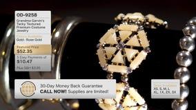 De fictieve Huis het Winkelen Inhoud van Televisie Gouden Juwelen stock video
