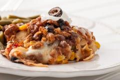 De fiesta bakt Mexicaanse omhoog geschoten Lasagna's dicht royalty-vrije stock afbeeldingen
