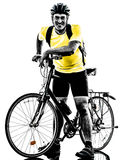 De fiets bevindend silhouet van de mensen bicycling berg Royalty-vrije Stock Foto's