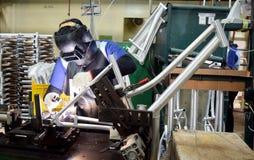 De fiets van de assemblagefiets van Indonesië stock foto's