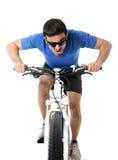 De fiets van het sportpersonenvervoer opleiding hard op sprint in fitness en de concurrentie Royalty-vrije Stock Afbeelding