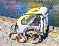 De fietsaanhangwagen op de bestrating in Kopenhagen denemarken Royalty-vrije Stock Afbeelding