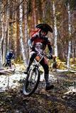 De fietscompetities van de berg in Halloween Stock Foto