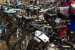 De fietsen MTB van het parkeren Stock Afbeeldingen