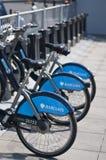 De fietsen van Barclays voor huur, Londen, het UK Royalty-vrije Stock Afbeeldingen