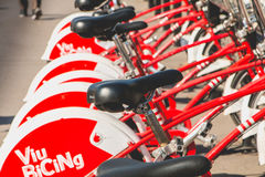 De fietsen Vodafone die Bicing, een fiets van de dienstvoertuigen sys delen Royalty-vrije Stock Afbeelding