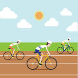 De fietser die in renbaan rennen Royalty-vrije Stock Afbeelding