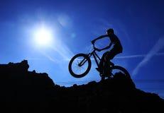 De fietser van Bmx Stock Afbeeldingen