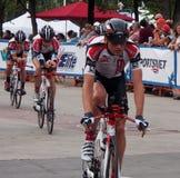 De fietsers bij Proloog voor de Reis van Albserta rennen Royalty-vrije Stock Foto's