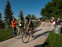 De fietsers rennen Stock Fotografie