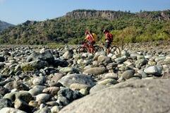 De Fietsers van de Berg van het avontuur Stock Afbeeldingen