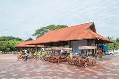 De fietshuur voor publiek in Titiwangsa-Meertuinen, het is een recreatief park met een groot meer als zijn hoofdaantrekkelijkheid royalty-vrije stock foto