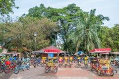 De fietshuur voor publiek in Titiwangsa-Meertuinen, het is een recreatief park met een groot meer als zijn hoofdaantrekkelijkheid royalty-vrije stock foto's