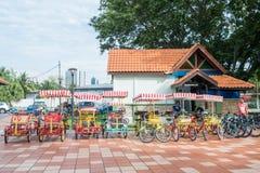 De fietshuur voor publiek in Titiwangsa-Meertuinen, het is een recreatief park met een groot meer als zijn hoofdaantrekkelijkheid stock foto's