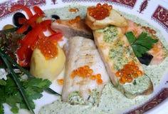 De filet van vissen met kaviaar Stock Foto's