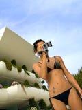 De film van het meisje in de pool stock afbeelding