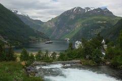 De Fjord van Geiranger stock fotografie