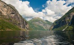 De fjord van Geiranger, Noorwegen Stock Fotografie