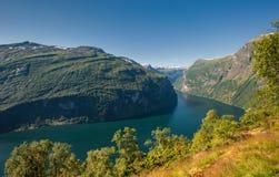 De fjord van Geiranger, Noorwegen Stock Afbeeldingen