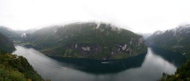 De fjord van Geiranger. Noorwegen Stock Afbeeldingen