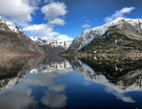 De Fjord van Hardanger, Noorwegen Stock Foto's