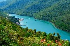 De Fjord van Lim of kanaal Limski. Adriatische kust Stock Afbeeldingen