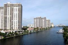 De Flatgebouwen met koopflats van Florida van Aventura op Intercoastal Royalty-vrije Stock Foto's