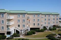 De Flatgebouwen met koopflats van het strand Royalty-vrije Stock Foto's