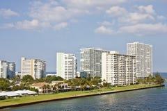 De Flats van de luxe op een Kust van Florida Stock Fotografie
