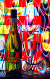 De fles en de glazen van de wijn royalty-vrije stock afbeelding