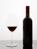 De fles en het glas van de wijn Royalty-vrije Stock Afbeelding