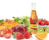 De fles van de vruchtesapvitamine Stock Afbeelding