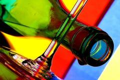 De Fles van de wijn & de Samenvatting van het Glas Stock Foto's