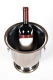 De fles van de wijn in emmer Royalty-vrije Stock Foto's