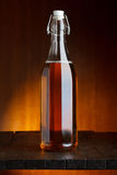 De fles van het bier of van de cider royalty-vrije stock afbeelding