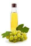 De fles van het glas groene wijnazijn royalty-vrije stock foto's
