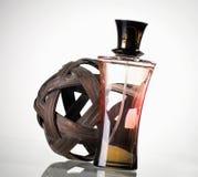 De fles van het parfum stock afbeeldingen