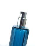 De fles van het parfum die op wit wordt geïsoleerd Royalty-vrije Stock Foto