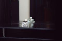 De fles van Parfume Stock Afbeeldingen