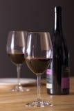 De fles van wijnglazen Stock Foto