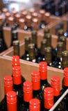 De Flessen van de wijn in een winkel Royalty-vrije Stock Afbeelding