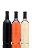 De flessen van de wijn op wit royalty-vrije stock afbeelding