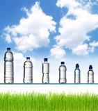 De flessen van het water Stock Afbeelding