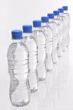 De flessen van het water van hierboven royalty-vrije stock foto's