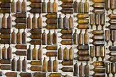 De flessenmuur van het glas Stock Fotografie